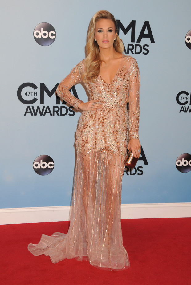 Carrie Underwood arrives at the 47th CMA Awards