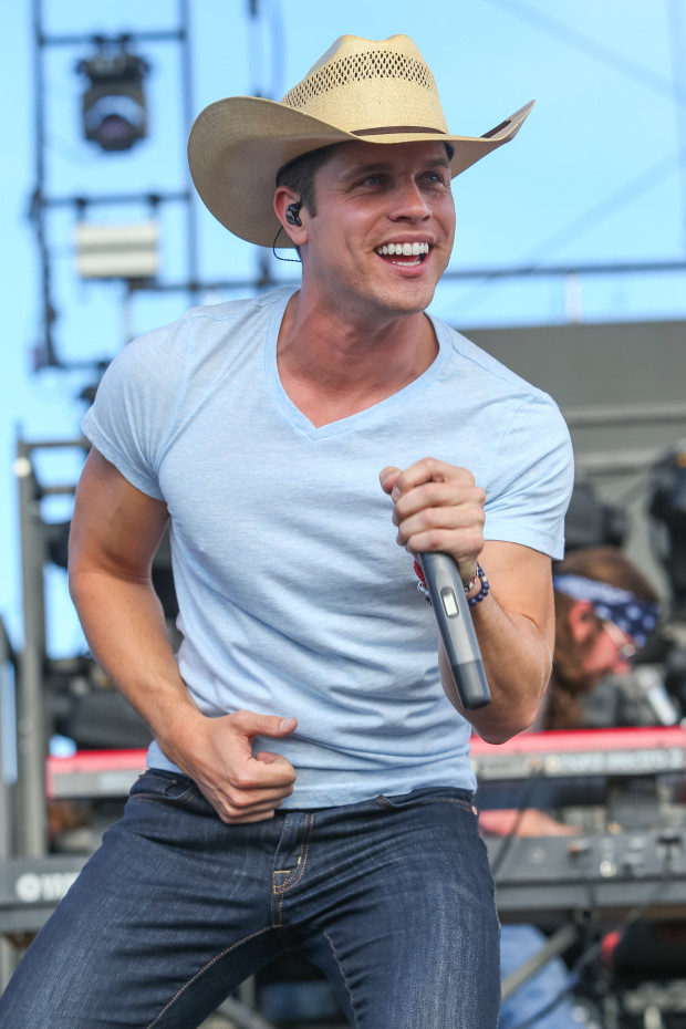 Dustin Lynch performs at Stagecoach Festival