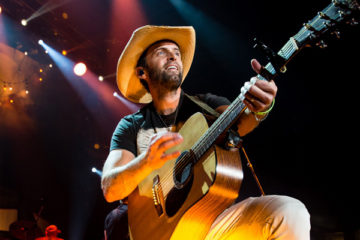 2016-ccma-performers-dean-brody