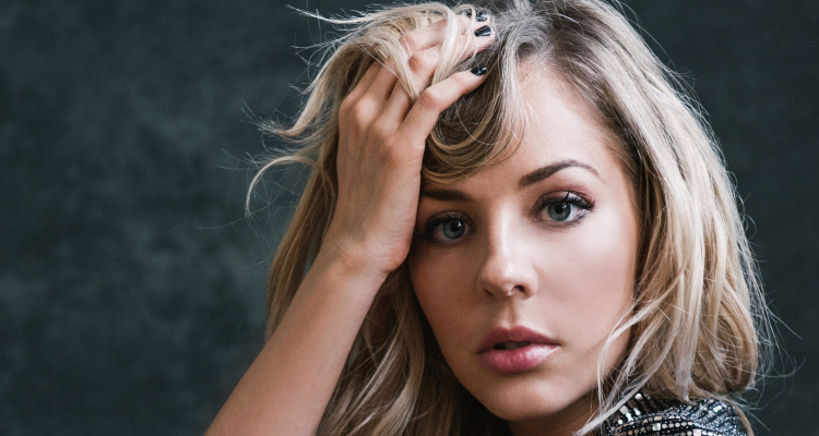 mackenzie porter returns to music with two new songs